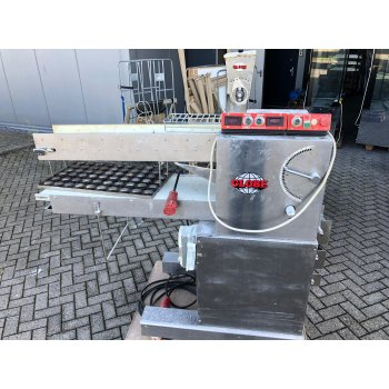 Lippelt dough cutting machine, with seeding