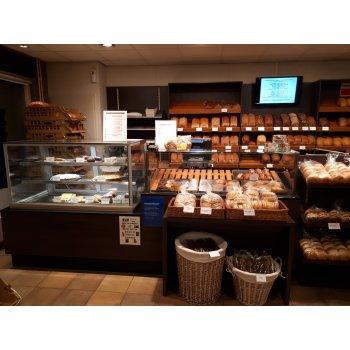 Complete interieur bakkerswinkel